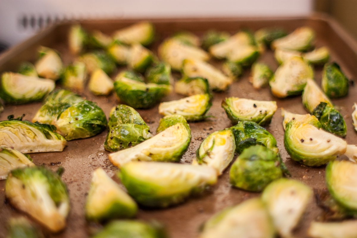 recipe // roasted brussels sprouts with garlic aioli